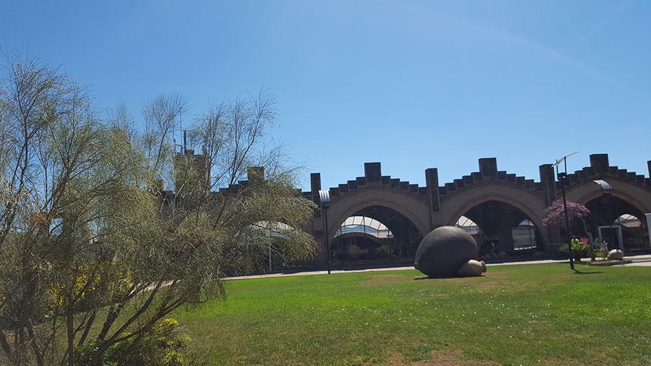 Экскурсия на Гору Монтсеррат и винные погреба (фото 2)