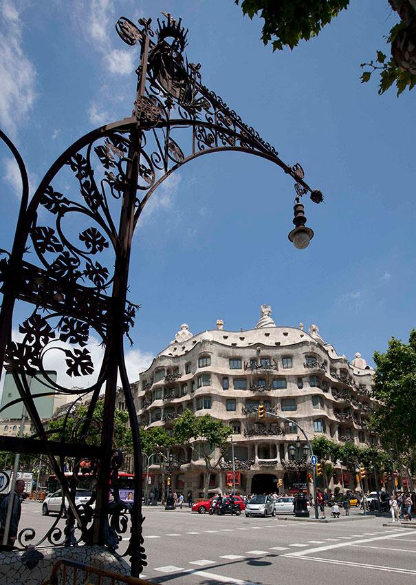 Экскурсия по улице Пассеидж де Грасия (фото 2)