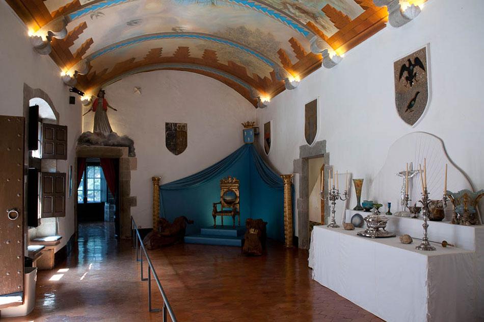 Экскурсия в музей Дали и замок Пуболь (фото 1)