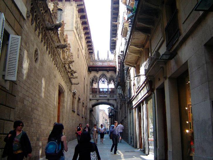 Достопримечательности Барселоны. Фото Готического квартала