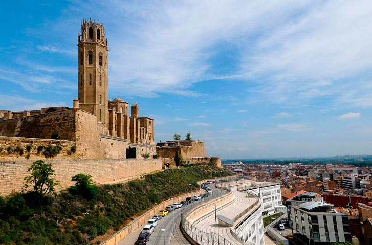 Гид по Каталонии Олег Дячок: Экскурсия в Сеу-Велья и замок Суда