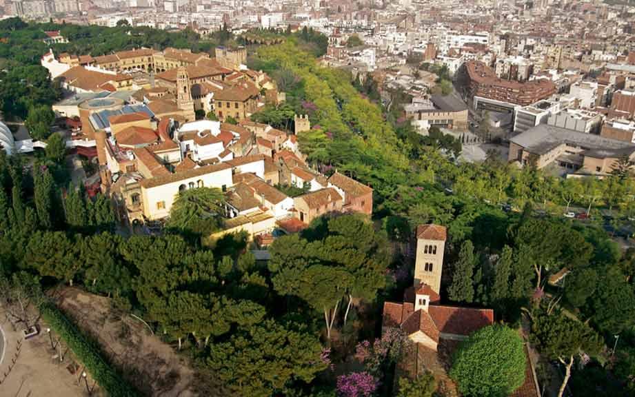 Іспанське село в Барселоні (фото)