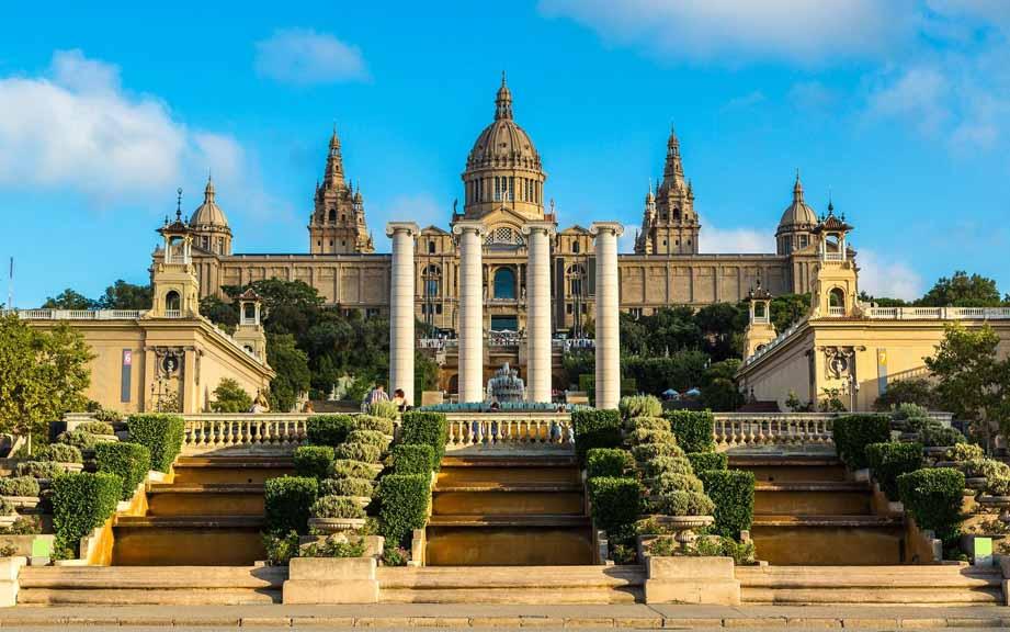 Что посмотреть в Барселоне и окрестностях в первую очередь?